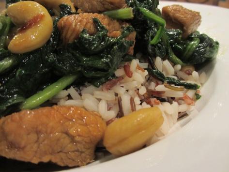 Easy turkey-spinach stir fry on rice